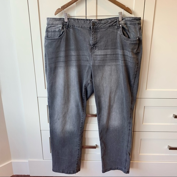 Grey D/C Jeans with Curvy Fit